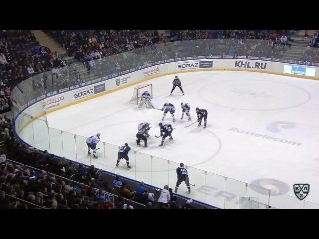 Моменты из матчей КХЛ сезона 16/17 • Гол. 7:2. Глинка Михал (Слован) забрасывает шайбу в ворота соперника 15.02