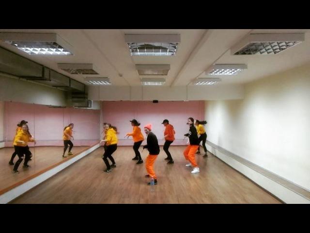 """[CRAzy V] cover dance team on Instagram: """"💭 [Time Machine] 💭 📹 IKON - B-day 📹 . . . . . 🎬CRAzyV coverdanceteam coverdance dancecover team da..."""