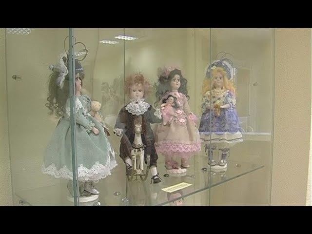 Выставка Натальи Крыловой «О куклах и не только» » Freewka.com - Смотреть онлайн в хорощем качестве
