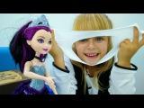 Видео для девочек #МонстерХай: #подружкаМаша учится волшебству! Лепим снежки. Иг ...