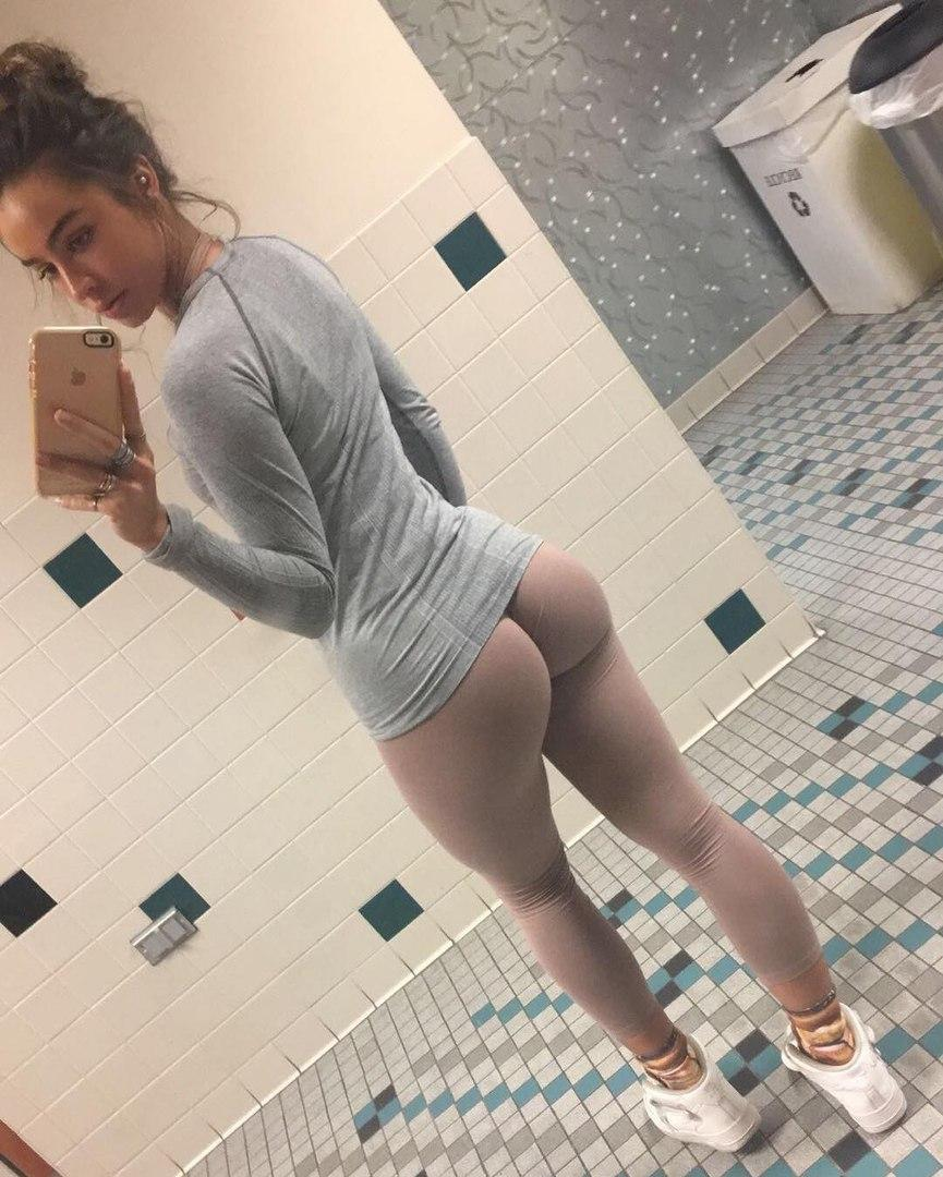 View all videos tagged elle branle