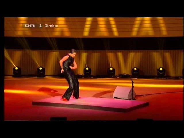 Selene Munoz danser ved Kronprinsens prisoverrækkelse 06.10.12.