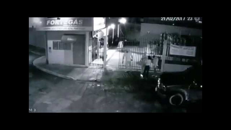 [2018] QUANDO A PRESA ESTÁ ARMADA O PREDADOR DORME COM FOME 1