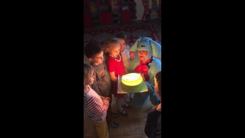 29 января. Игры с Нюшей и Крошем. Смешарики.Вынос праздничного торта.Мастерская праздников Сашеньки Верной