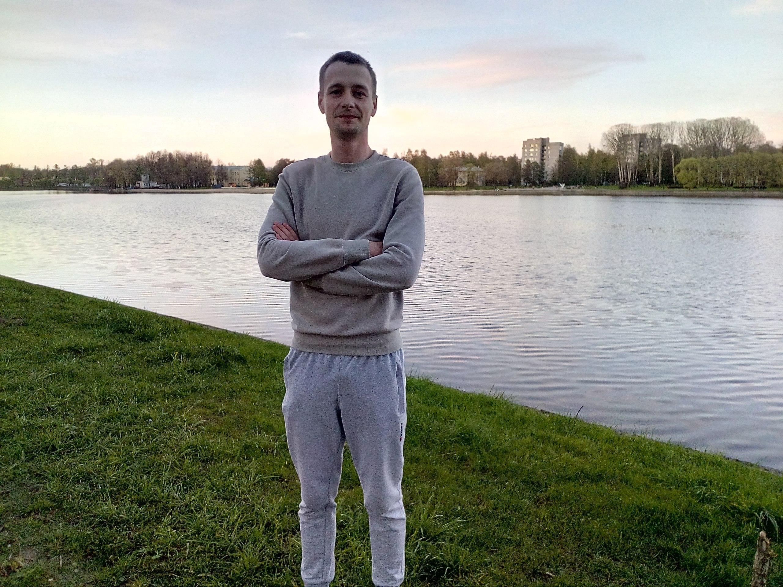 Aleksandr, 26, Tosno