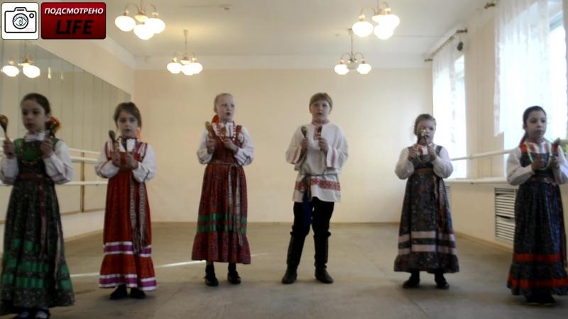 Подсмотрено LIFE/Академический концерт фольклорного отделения.Тропина Нина Прокопьевна.