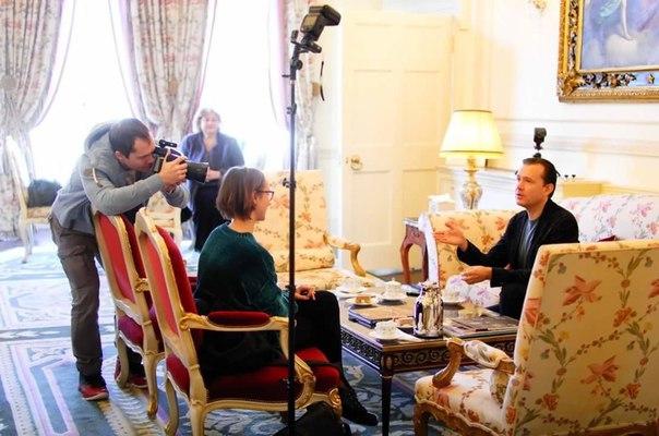 16 января 2018 г, Интервью газете Англия, Ritz, Лондон, Англия (фото, текст) 5bW6vvUKwb0