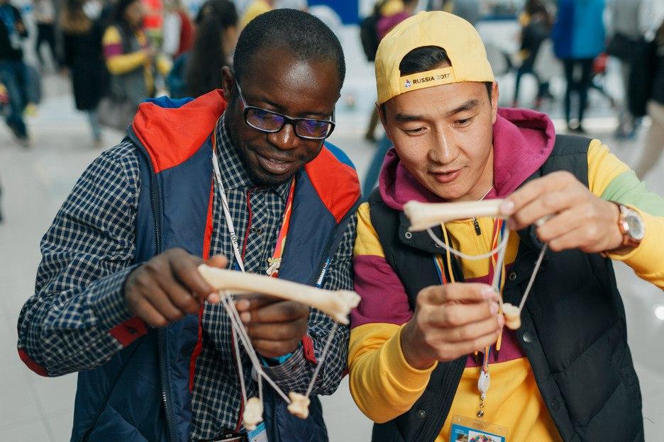 25 000 молодых профессионалов из 188 стран мира