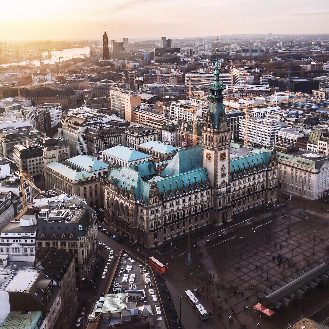 Авиабилеты в Гамбург за 8000 рублей туда-обратно из Москвы