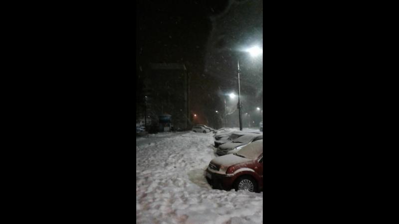 снежок идет.и морозец.брррр в 23ч36мин