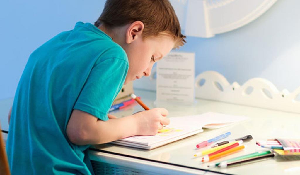 Картинки по запросу дети делают уроки