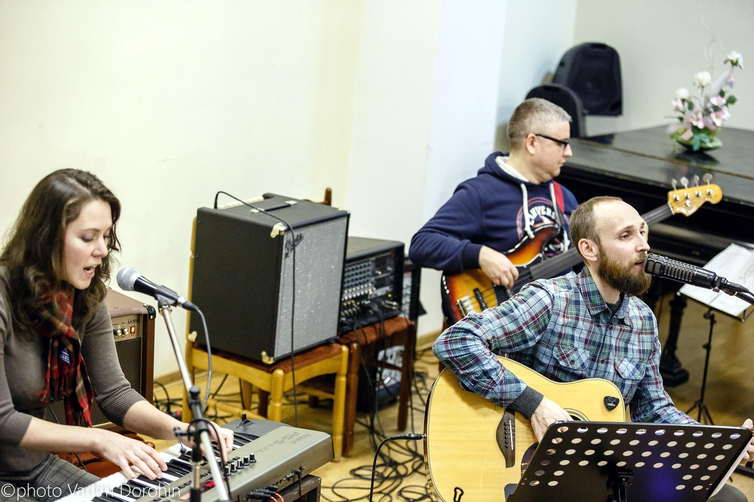 Концерт ансамбля Ильи Аносова в библиотеке