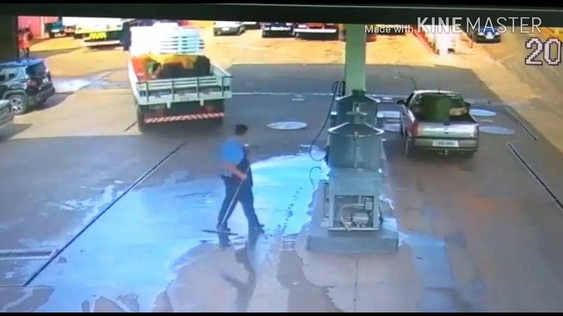 Acidente em posto de gasolina em Santa Cruz do Rio Pardo