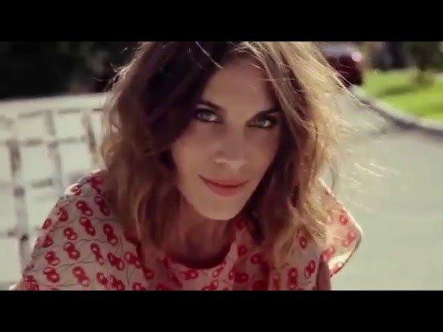 Arctic Monkeys - She's Thunderstorms (Music Video)