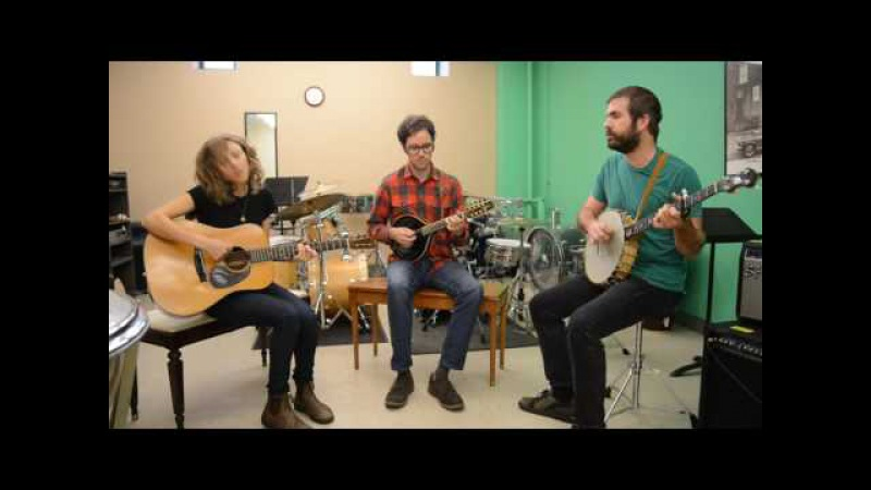 A-Sides Acoustic Session: Mandolin Orange