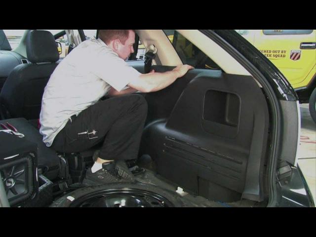 Installing an Amplifier Subwoofer: Geek Squad Autotechs