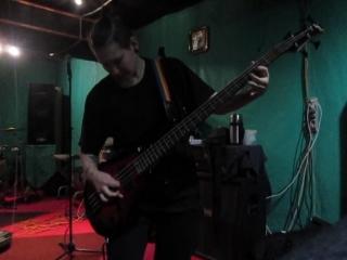 соло Насти на басу