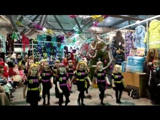 Dance Studio MOVA выступление в ТЦ