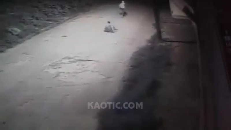 Killer comes back after first failed attempt and executes a man on the street