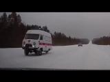 В Коми очевидцы сняли на видео, как скорая мчится без заднего колеса