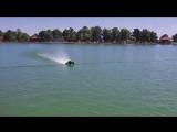 Радиоуправляемая машина едет по воде