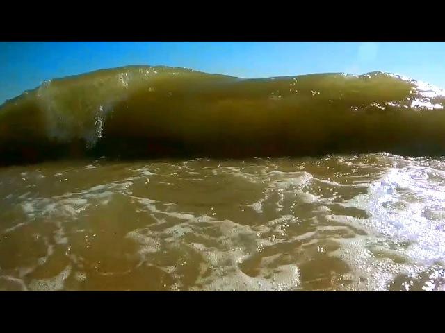 Замедленная съёмка Большие волны на море
