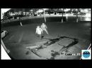 Грабитель целился кирпичом в витрину, а попал в голову другу