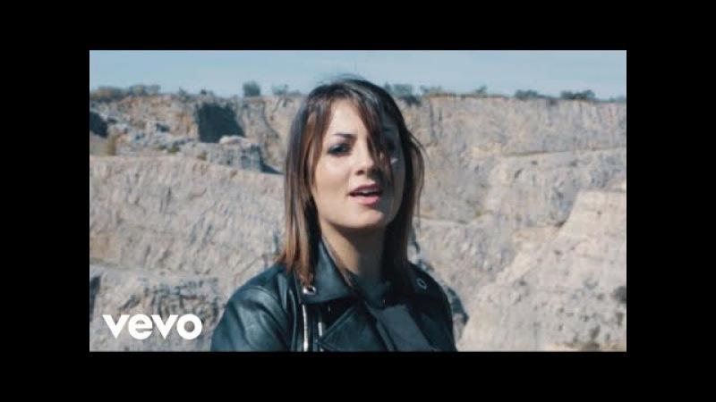 Ilaria - In Un Attimo Di Luce (Official Video)