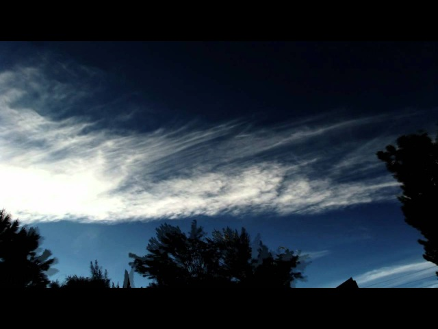 Interesting jet trails morphing into aviation cirrus clouds 300x timelapse V10866a
