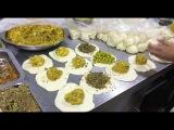 Удивительно Вкусное Блюдо Паратха Приготовление - Уличная Еда Карачи,Пакистан.