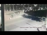 Появилось видео наезда машины на женщину с ребёнком в Вязьме