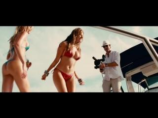 Piranha 3D / Пираньи (Public Enemy & Benny Benassi - Bring The Noise / LMFAO – Girls On The Dance Floor) | Kelly Brook