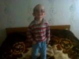 Маленький хитрец)))