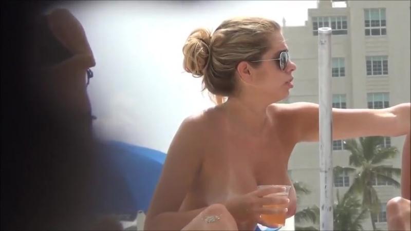 Вяленькая бык с пиздой Britney насаживается [время приключений, русских девочек, подглядывать, личное, xxx порно, инцест]