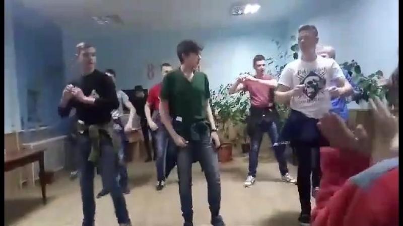 Танец-поздравление с 8 марта 2018г.