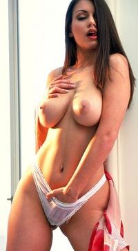 Голые люди и порно, порно с телкой с большой настоящей грудью анал писсинг