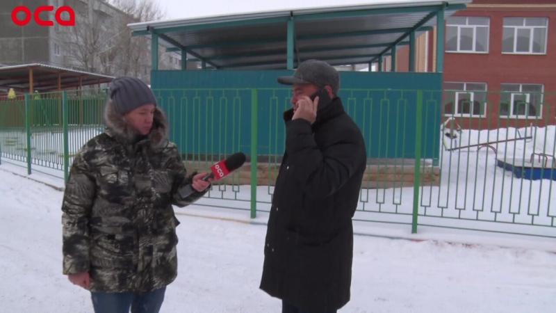 «Народный» мэр Анна Ахметова вернулась на дорогу в 8 мкр. Не одна, а с подмогой