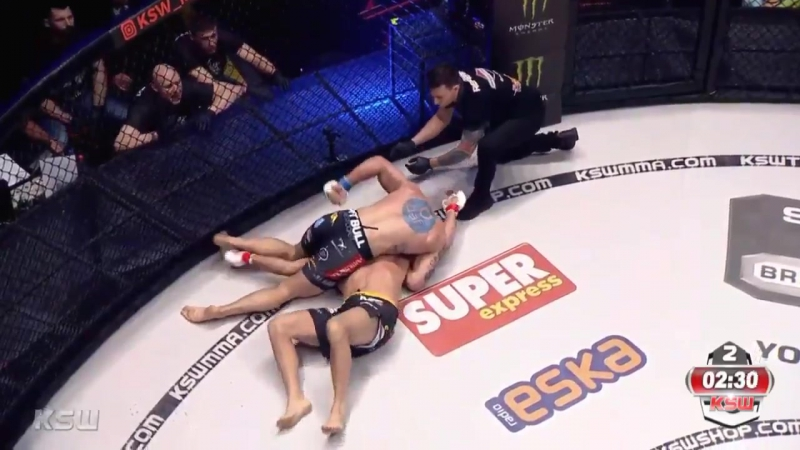 Damian Janikowski defeats Antoni Chmielewski via KO TKO at 2 33 of Round 2