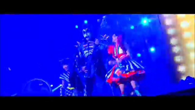 MOMOIRO CLOVER Z vs KISS -YUMENO UKIYONI SAITEMINA~Rock And Roll All Nite