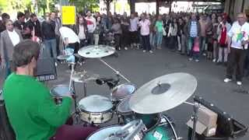 Oded Kafri- Wedding offer,Dancing with strangers and more in one street set!!