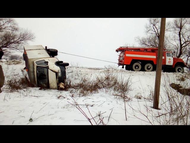 Софіївський район: допомога по вилученню автомобілю ГАЗЕЛЬ з кювету