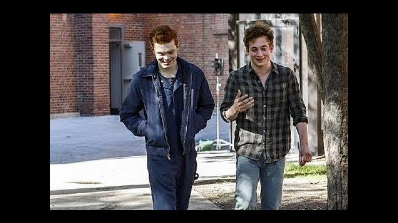 Shameless - Lip Gallagher - Ian Gallagher - (Cold Water)