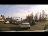 Авария 19.04.18 перекресток Зины Портновой и Стачек, Санкт-Петербург