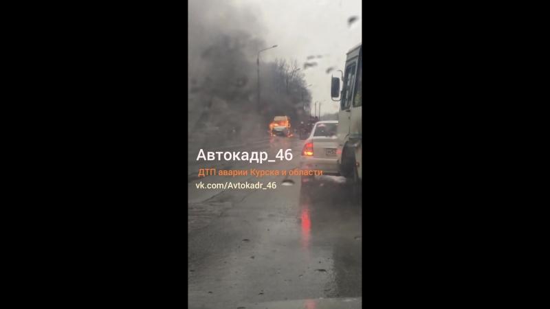 Горит маршрутка Курск 31 032018