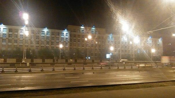 Ленинградский проспект весь усыпан красивыми зданиями