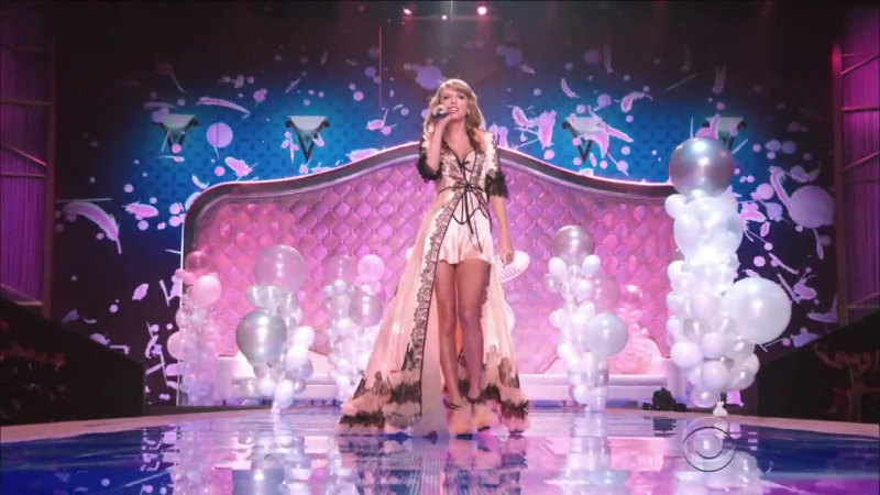 Taylor Swift - Blank Space (The Victoria's Secret Fashion Show 2014)