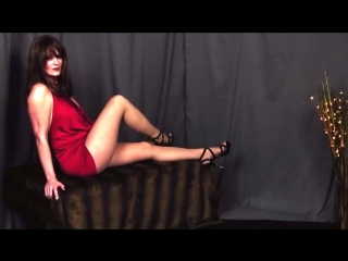 Lacy Lee Tall Sexy Mature Cougar High Heels Upskirt Pantyhose Tease (HD)