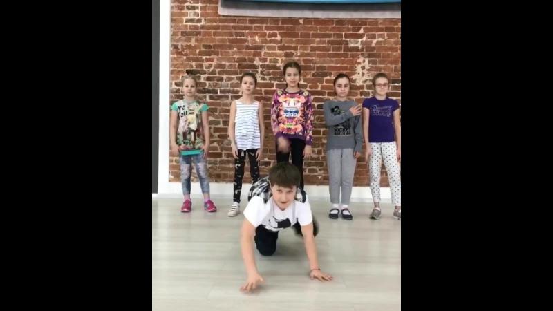 Занятия по хореографии в Академии Игоря Крутого