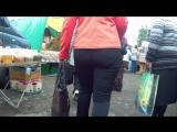 Big ass in tight pants milfs (Мамочка ходила по рынку и светила своей аппетитной задницей)