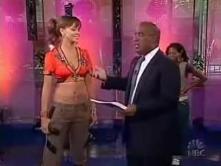 Rihanna - Pon de Replay (live on Rising Star, ноябрь 2005)